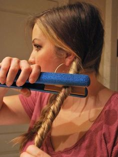 Split your hair into 2 sections. Twist your hair then wrap a ponytail around it so its secure and tight. Then take your hair straightener and straighten your twisted hair. You got your beachy wavy hair! (two ponytail hairstyles twists) Wavy Hairstyles Tutorial, Curled Hairstyles, Cool Hairstyles, Curling Iron Hairstyles, Hairstyle Ideas, Bob Hairstyle, Wedding Hairstyles, Cabelo Ombre Hair, Twisted Hair