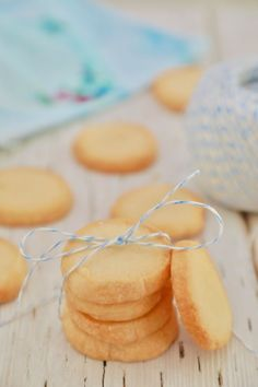 3 Ingredient Shortbread Cookies - all of the flavor with less of the fuss! Easy Baking Recipes, Easy Cookie Recipes, Sweet Recipes, Cooking Recipes, Yummy Recipes, Vegan Recipes, Yummy Food, Tea Cakes, Sweets