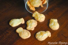 Step-by-step directions to bake homemade gluten-free goldfish crackers. Goldfish Recipes, Gluten Free Goldfish, Gluten Free Snacks, Gluten Free Baking, Dairy Free Recipes, Healthy Snacks, Healthy Recipes, Summer Snack Recipes, Summer Snacks