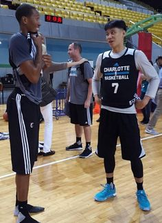 Jeremy Lin new haircut interests all including Wes Johnson at 2015   NBAGlobalGames in Shenzen 8ae712ebe