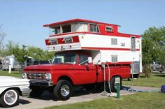 Penthouse Camper Vintage Campers Trailers, Retro Campers, Vintage Caravans, Camper Trailers, Retro Travel Trailers, Classic Campers, Station Wagon, Volkswagen, Vintage Trucks
