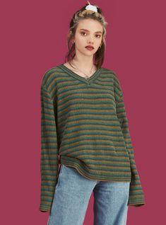 Oversized ribbed v-neck sweater in a super soft and comfy material. Elongated sleeves and a contrast collar. Fasion, Fashion Outfits, Cropped Knit Sweater, Contrast Collar, Unif, Unisex Fashion, Sweaters For Women, Women's Sweaters, My Style