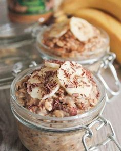 Peanut Butter and Banana Overnight Oats (Vegan and Gluten-Free!) Ingredients: 1 large ripe banana, mashed (about ½ cup) ¼ cup creamy peanut butter 1 cup gluten-free rolled oats (Do not use quick c. Vegan Peanut Butter, Peanut Butter Banana, Banana Coconut, Beef Tartare, Banana Overnight Oats, Banana Oats, Banana Bread, Gluten Free Breakfasts, Oatmeal Recipes