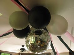disco party decorations - make your own too!! Cute center disco ball with balloons around it