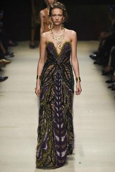 Alberta Ferretti Spring 2016. See every look on Vogue.com