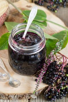 Czarny bez w słoiku Elderberry Jam, Elderberry Flower, Jelly Jars, Stevia, Farmers Market, Food Photography, Berries, Food And Drink, Cooking Recipes