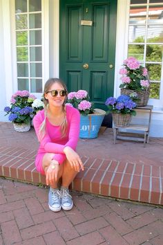 Heartfelt Hunt - Gender Reveal - Pink dress, basket bag, Ray-Ban sunglasses, Converse sneakers and blonde pigtail braids - Spring Fashion and cute Maternity Style / Pregnancy Style