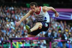 Rhys Williams, son of the former Wales rugby international JJ Williams, has been suspended from the Commonwealth Games for failing a doping test.