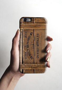 これは、iPhone 5に合う素敵な手作りのiPhoneケースです。それは非常に薄い印刷されたライスペーパー/ティッシュペーパーで、デコパージュの技法を使って...|ハンドメイド、手作り、手仕事品の通販・販売・購入ならCreema。