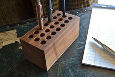 Le bloc - porte-stylo bois noyer fait à la main