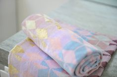 #tenera casts a #unique golden glow in the bathroom and gives an instant pastel update to your bathing spaces ✔️ #ziporah #luxury #pastel #gold #designertowels #original #design