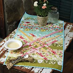 how-to:  woven table runner   by Outside the Lines Designs