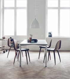 Y table conference table. Mødebord, spisebord, dining table.