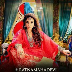 Look at this gutsy look of this lady superstar  #Nayanthara as #RatnaMahaDevi in #Kashmora   #Omg!! Cant wait for the #trailer