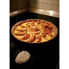 Felavattam az új pitesütőmet : Almás-pudingos pite / a tiszteletedre majdnem kővel sütve @jovaricsenge  #apple #applepie #pie #firsttrying #healthy #healthyfood #foodporn #sugarfree #lactosefree #stonedecor #mik #ikozosseg #InstaSize #instahun #instafood