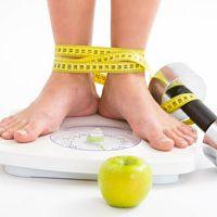 Como perder peso naturalmente? Com o peso aumentado começa uma busca incessante pelo emagrecimento. Confere as dicas que separamos para perder