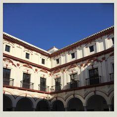 Lugares mágicos❤️❤️❤️ #eltallerLOVE #haceunpoquitodelevante #feliz #HotelBoutiqueConventoCádiz  #love #amor #hotel #happy #feliz #taller #atelier #wedding #destinationwedding #weddingplanner #Cádiz #inlove #candybar #chocolate #boda #bodasbonitas #bodasunicas #deco #decor #instagood #inspiration #turismo #tourism #handmade