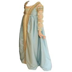 Edits Non Actors ❤ liked on Polyvore featuring costumes, dresses, medieval, medieval gown, renaissance, costume, renaissance halloween costume, green costumes, green halloween costumes and renaissance costume