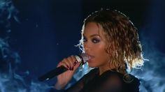 Video: Jay Z and Beyonce Open Show With Sexy Performance – Hard 2 Knock Shoppe