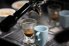 pretty. Coffee Photos, Coffee Images, Coffee Art, Coffee Love, Coffee Shop, Coffee And Cigarettes, Coffee Tumbler, Caffeine, Espresso Machine