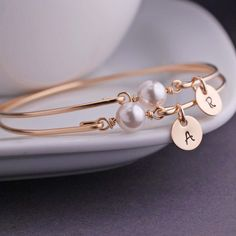 georgiedesigns - Gold Pearl Bangle Bracelet, Gold White Swarovski Pearl Bangle Bracelet, Simple Gold Bangle