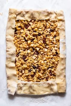 Squares with cashew nuts - Healthy Food Mom Nut Recipes, Apple Cake Recipes, Sweet Recipes, Cooking Recipes, Confort Food, Best Apple Pie, Food Garnishes, No Bake Cake, Food Print