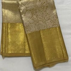 Pattu Sarees Wedding, Wedding Silk Saree, Bridal Sarees, Kanjivaram Sarees Silk, Kanchipuram Saree, Wedding Dresses For Girls, Indian Wedding Outfits, Golden Saree, Bollywood Outfits