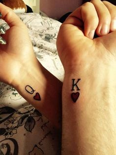 Coeur tattoo, king of hearts tattoo, heart wrist tattoos, couple wrist tattoos, Coeur Tattoo, Card Tattoo, Trendy Tattoos, Small Tattoos, Tattoos For Women, Cool Tattoos, Tatoos, Tattoos Pics, Matching Tattoos