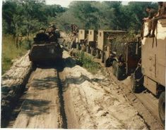 Logistical convoy to Cuito Ops Hooper Once Were Warriors, Army Day, Defence Force, Korean War, Vietnam War, Military History, Armed Forces, Troops, South Africa