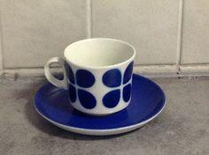 ARABIA PUHALLUSKORISTE KAHVIKUPPI, 1970-L, AITO RETRO! - Huuto.net Coffee Cups, Tea Cups, Kitchenware, Tableware, Finland, Retro Vintage, Kitchen Decor, Porcelain, Pottery