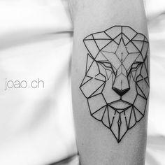 Lion #Lion #geometric #geometria #brazil #tattrx #sampa #equillatera #tattoaria…