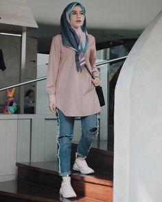 Modern Hijab Fashion, Hijab Fashion Inspiration, Muslim Fashion, Modest Fashion, Fashion Outfits, Casual Hijab Outfit, Hijab Chic, Mode Hijab, School Fashion