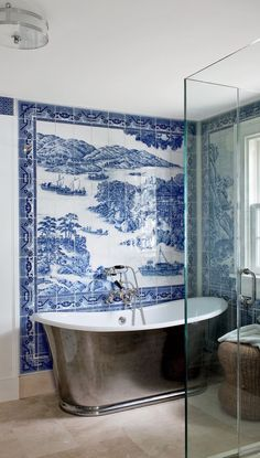 This take on the blue-and-white beach house bathroom is both novel and historical. Wonderful blue and white ceramic tile mural in this Shelter Island, NY bathroom by Piccione Architecture Design. Home, Bathroom Styling, Bathroom Style, Chinese Bathroom, Shelter Island, Beautiful Bathrooms, Modern Style Decor, Architectural Digest, Bathroom Design