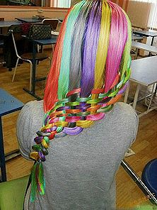 I like bright colors and rainbows a lot, but come on now. This looks like an easter basket. o_o