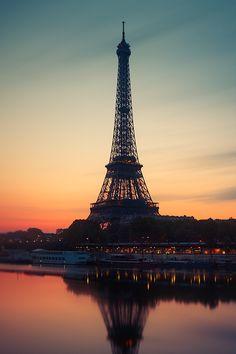 """plasmatics: """" Paris sunrise [via/website] By Beboy Photographies """""""