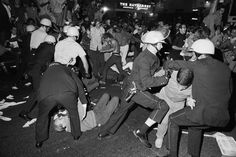 protesters vs. police at the 1968 democratic national convention in chicago