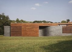 Curved House by Hufft Projects – Bricks and Wood Wall Combination - Curved House by Hufft Projects is Modern Residence with Distinctive Line...