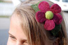 Tutorial for felt flowers on pantyhose headbands