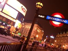 london at night | The lights of London. History comes alive at night.