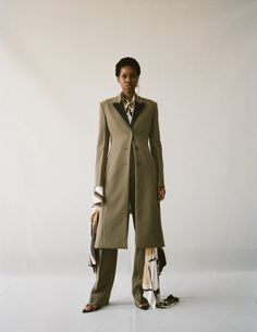 Spring Summer 2019 – Peter Do Nyc Fashion, Fashion Design, Street Fashion, Fashion Show, Womens Fashion, Olive Green Pants, Phoebe Philo, How To Make Clothes, Fitted Suit