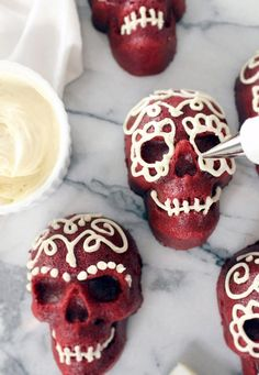 Mini Red Velvet Skull Cakes from Shore Society. A spooky Halloween treat that's not too scary to eat. #Halloween