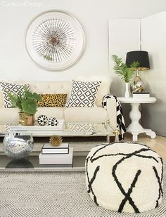 summer living room with neutral layers and texture and adding color by bringing in simple fresh garden greenery