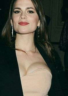 Haley Atwell busty in a strapless dress Hayley Elizabeth Atwell, Beautiful Female Celebrities, Beautiful Actresses, Gorgeous Women, Christina Hendricks, Portraits, Hollywood, Agent Carter, Actress Hayley Atwell
