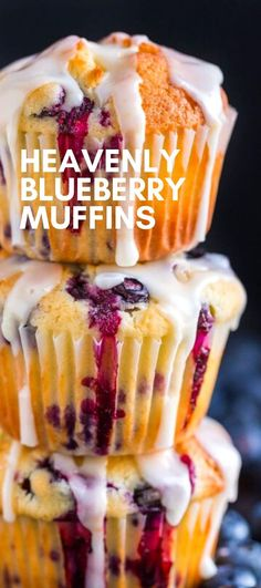 Easy Blueberry Muffins - bursting with fresh blueberry flavor They have a soft and moist crumb and puff up perfectly The lemon glaze makes them completely irresistible and they always disappear fast muffins blueberrymuffins breakfast recipes # Homemade Blueberry Muffins, Lemon Muffins, Blueberry Breakfast Recipes, Blueberry Recipes Easy, Blueberries Muffins, Blueberry Bread, Simple Muffin Recipe, Strawberry Desserts, Blue Berry Muffins