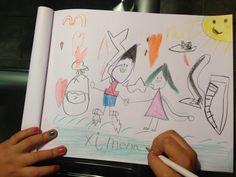 Ximena Dibujando! Ella se expresa a través del dibujo, mientras dibujaba, me contó una linda historia :D que protagonizo ella y su Hermano ;)
