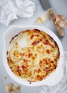 Sipuligratiini Cauliflower, Pizza, Cheese, Vegetables, Food, Cauliflowers, Essen, Vegetable Recipes, Meals
