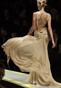 Whimsy with a capital W! (This would so be my wedding dress!) shhhhh