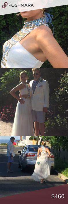 Gorgeous Sherri Hill Dress Size 2, white with beaded detail Sherri Hill Dresses Prom