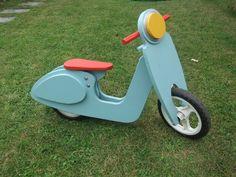 Draisienne scooter en bois, librement inspirée de la draisienne Janod