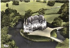 château de Tracy le Val. Oise French Castles, Grand Homes, French Chateau, Palaces, Newcastle, Architecture, Villas, Good Times, Scotland